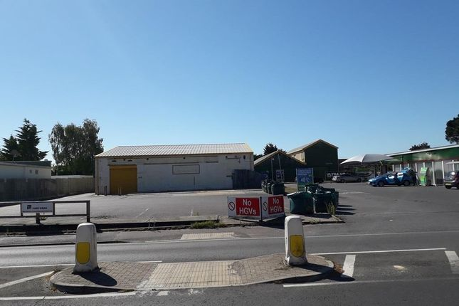 Warehouse to let in 63 Somerford Road, Christchurch, Dorset