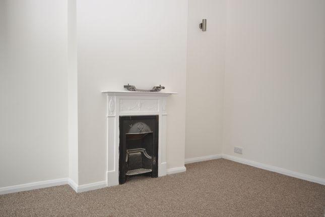 Thumbnail Flat to rent in William Street, Bognor Regis