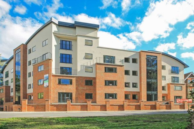 2 bed flat to rent in Brookside Court, Brook Street HP23