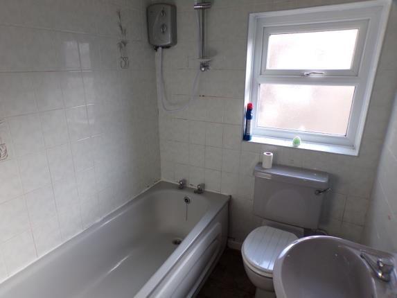 Bathroom of Makin Street, Liverpool, Merseyside L4