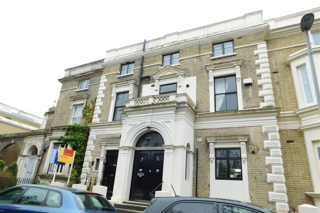 1 bed flat for sale in South Terrace, Surbiton