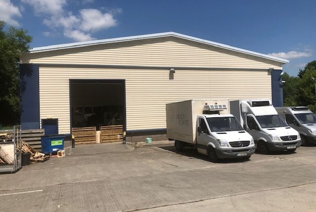 Thumbnail Warehouse to let in Woodacre Court, Saltash Parkway