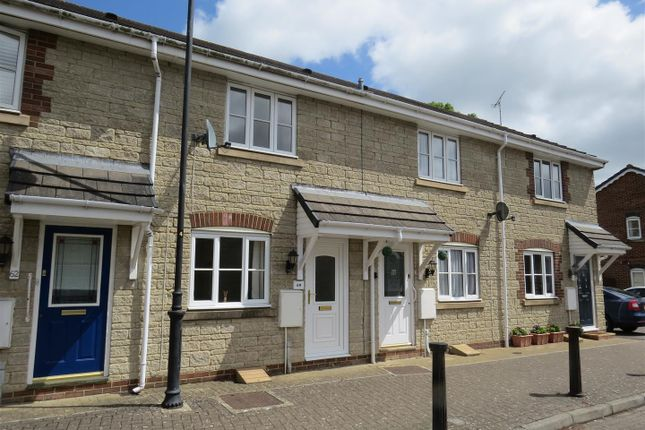 Thumbnail Terraced house for sale in Springfield Drive, Calne