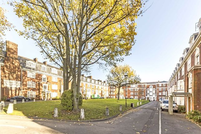 Thumbnail Flat to rent in Upper Street, London
