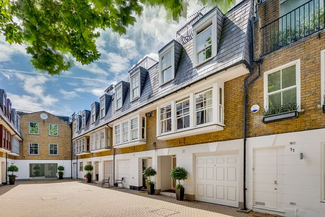 3 bed mews house for sale in St. Catherine's Mews, London