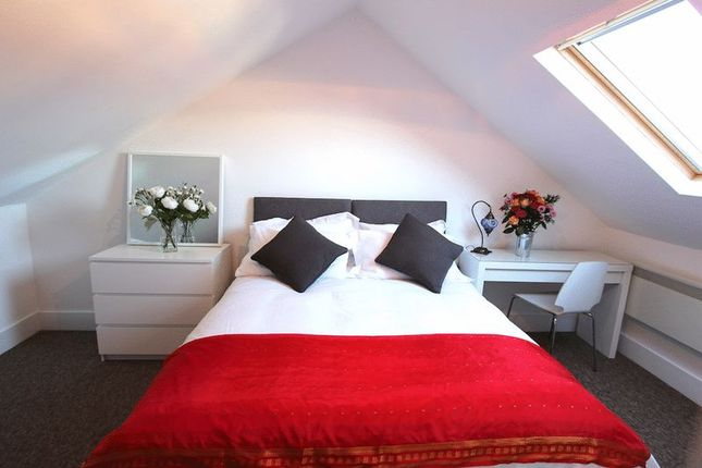 Thumbnail Property to rent in Preston Village Mews, Middle Road, Brighton