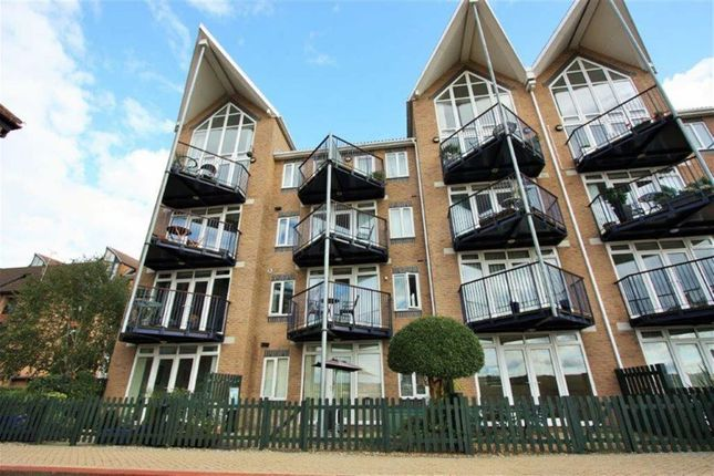 Thumbnail Flat to rent in Bridge House, Valetta Way, Rochester