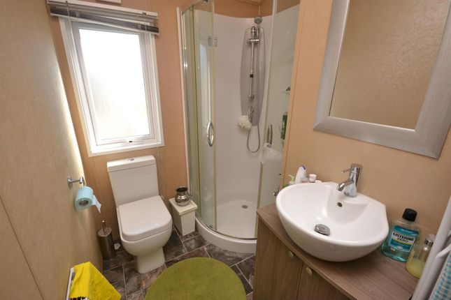 Shower Room of Highfield Grange, London Road, Clacton-On-Sea, Clacton-On-Sea CO16