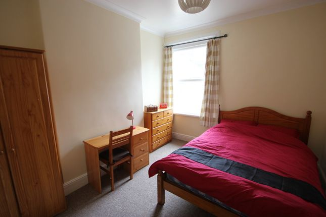 Thumbnail Flat to rent in North Road, Cardiff