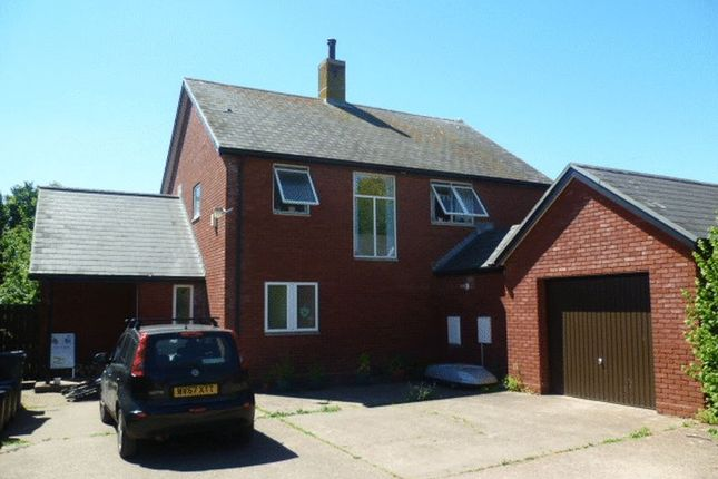 4 bed detached house to rent in Broadclyst, Exeter EX5