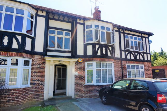 2 bed flat for sale in Algers Close, Loughton