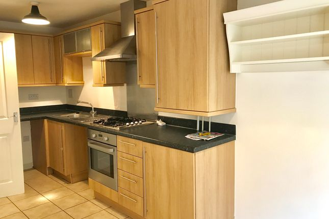 Thumbnail Town house to rent in Parkhouse Farm Way, Havant