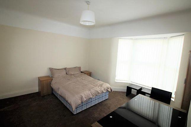 Room 4 of Hero Street, Bootle L20
