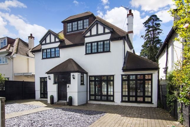 Thumbnail Detached house to rent in Riversdale Road, Thames Ditton