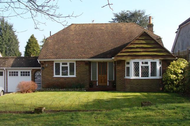 Thumbnail Bungalow to rent in Park Rise, Northchurch, Berkhamsted