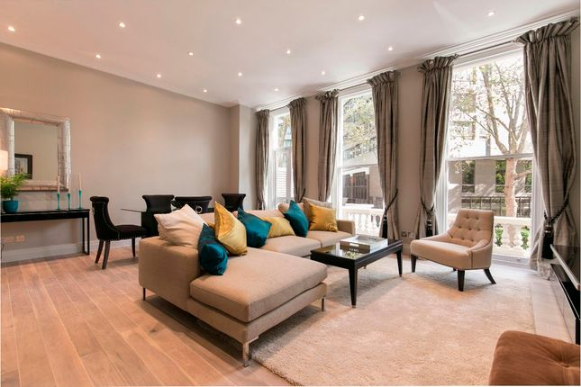 Thumbnail Flat for sale in Wickham Court, Ashburn Gardens, London