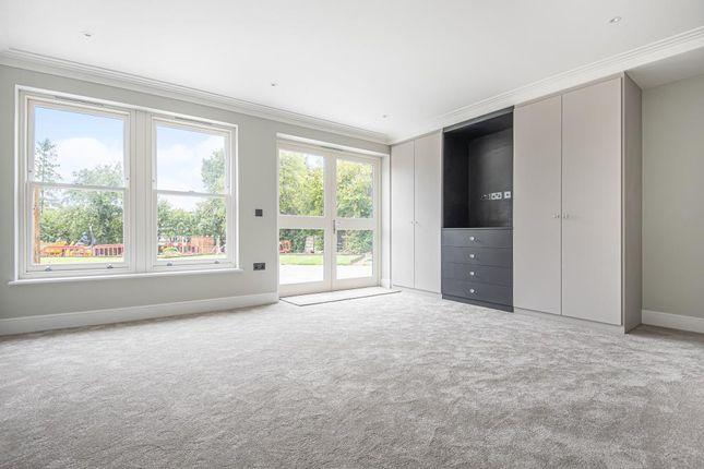 Bedroom of Dollis Avenue, London N3