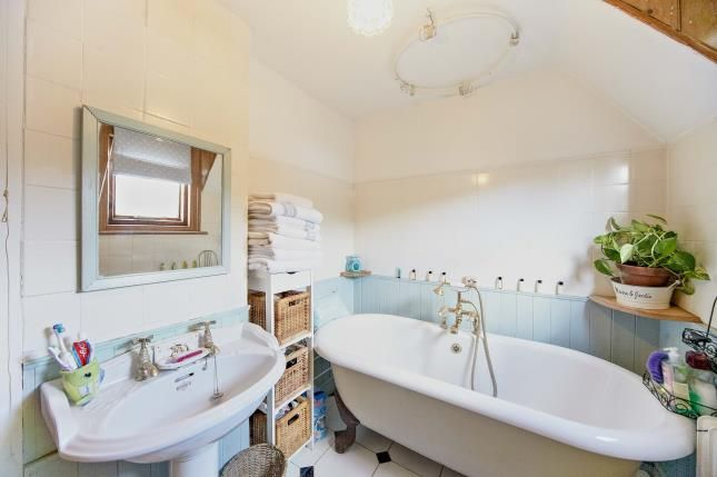 Bathroom of Salmons Lane, Whyteleafe, Surrey CR3