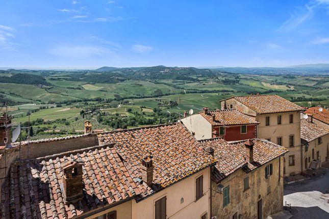 Elegant Apartment In The Historic Center, Montepulciano, Siena, Tuscany, Italy