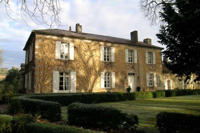 Thumbnail Country house for sale in Condom, Gers, France