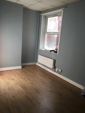 Thumbnail Studio to rent in Newport Road, Cardiff