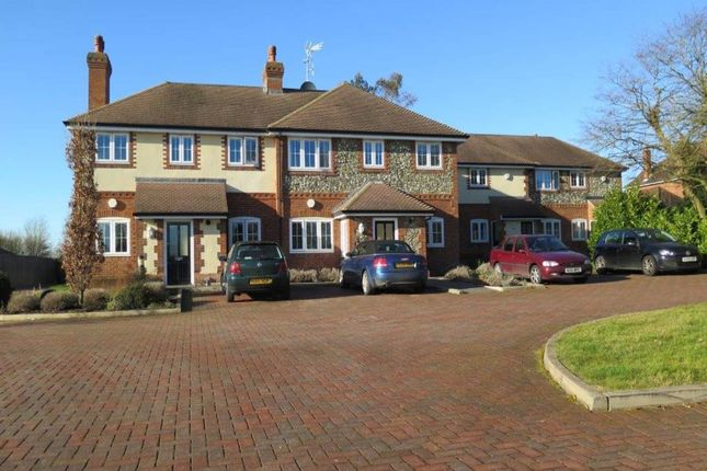 Thumbnail Flat to rent in Paddock Gate, Winkfield, Berks