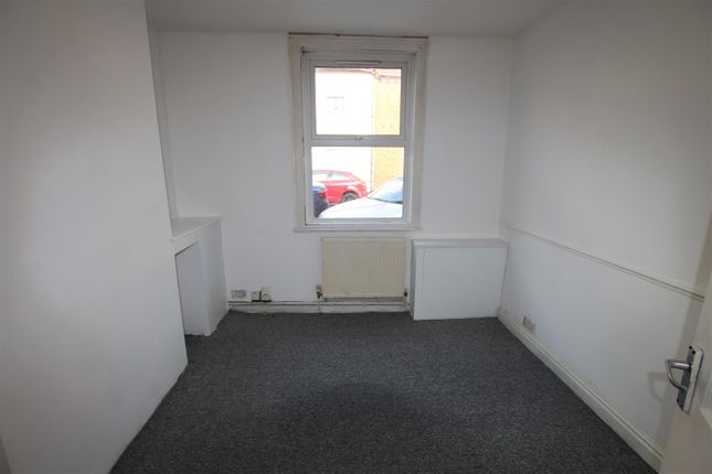 2 bed property for sale in Cyril Street, Abington, Northampton NN1