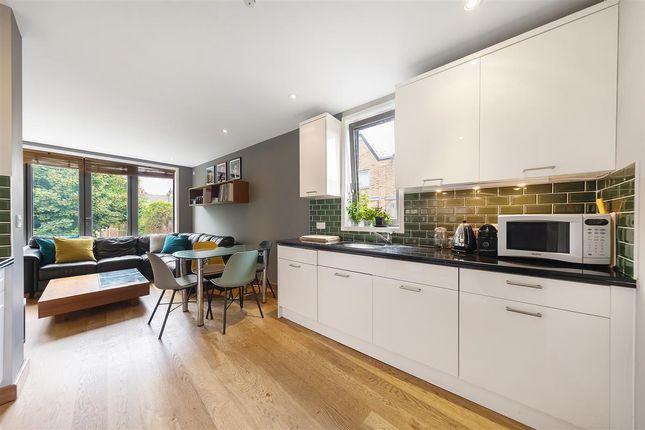 Kitchen of Winthorpe Road, London SW15