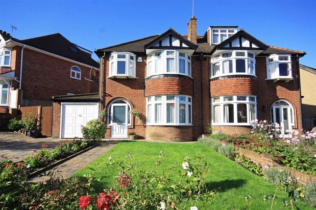 3 bed semi-detached house to rent in Lynwood Road, London