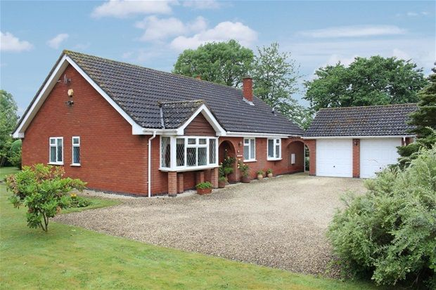 Thumbnail Detached bungalow for sale in Snarestone Road, Newton Burgoland, Coalville