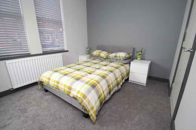 Thumbnail Room to rent in Cambridge Street, Castleford, Leeds