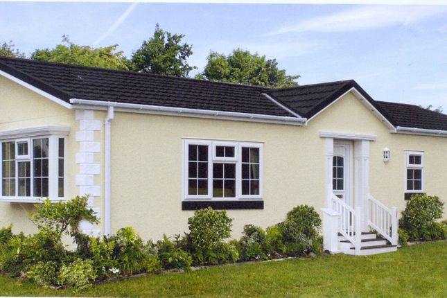 Thumbnail Mobile Park Home For Sale In Drayton Hall Norwich