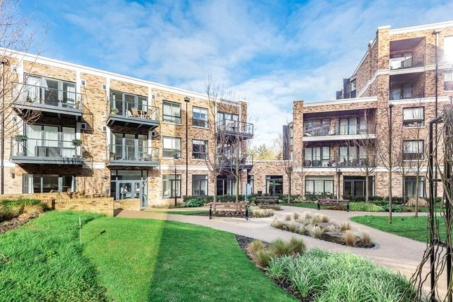 1 bed flat for sale in Concord Court, Palladian Gardens, London W4