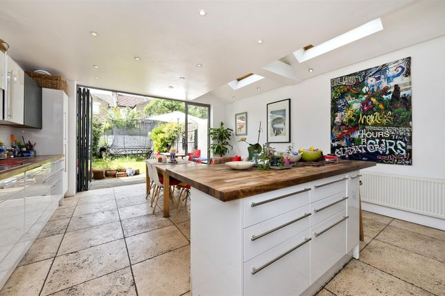 Thumbnail Property for sale in Linden Avenue, London