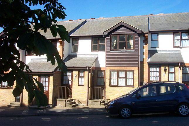 Thumbnail Flat to rent in Wharf Road, Hemel Hempstead
