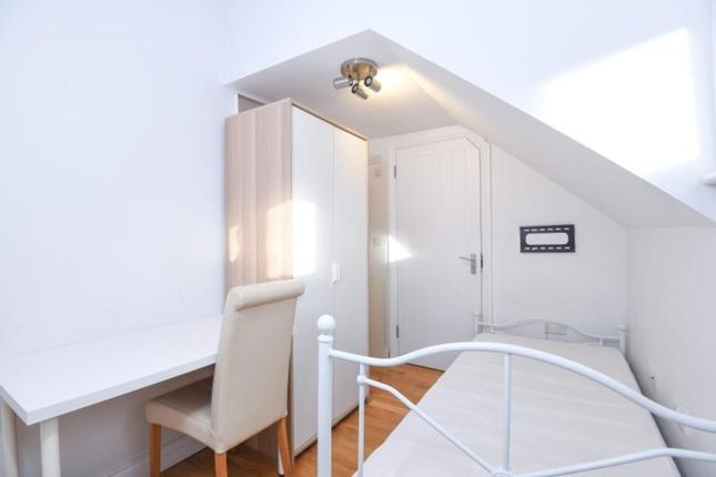 Thumbnail Studio to rent in Woodchurch Road, London