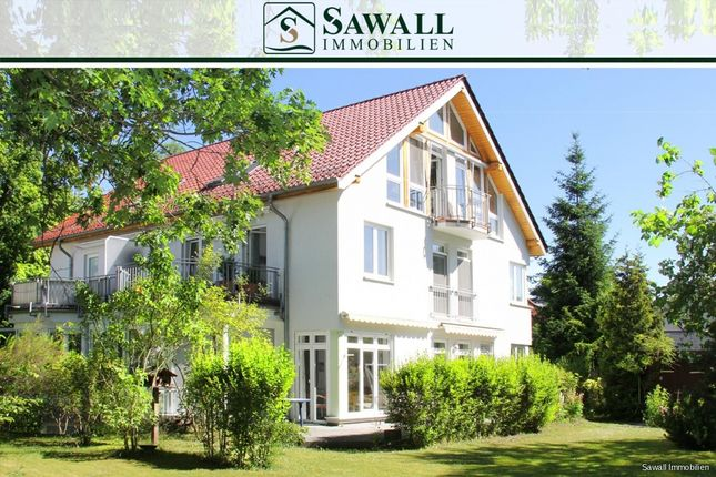 Thumbnail Semi-detached house for sale in 14532, Kleinmachnow, Germany