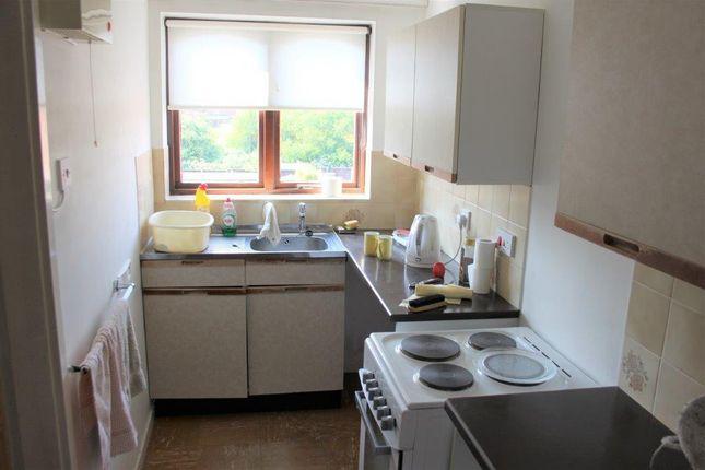 Kitchen of Keldholme Lane, Alvaston, Derby DE24