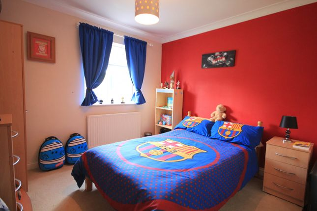 Bedroom of Manor Park Close, Tilehurst, Reading RG30
