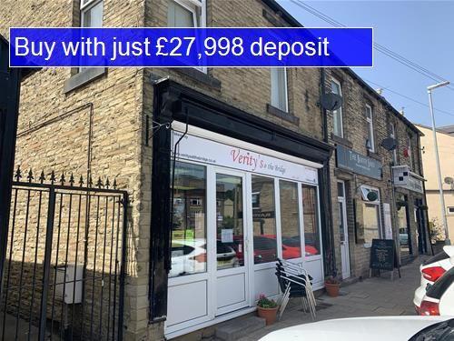 Thumbnail Restaurant/cafe for sale in Bradford Road, Bailiff Bridge, Brighouse