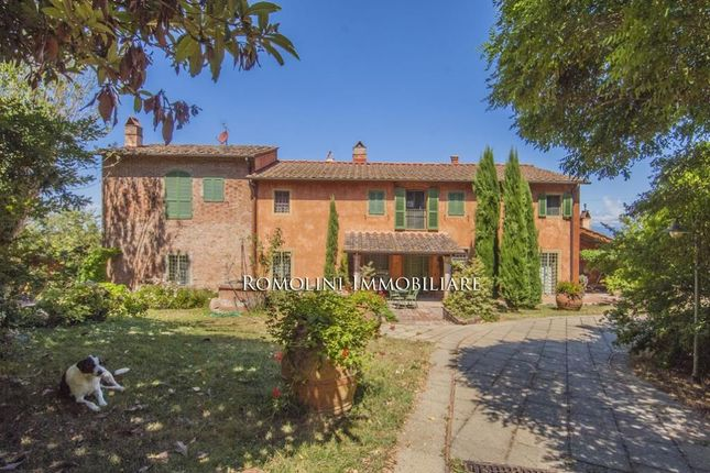 6 bed farmhouse for sale in Pontedera, Tuscany, Italy