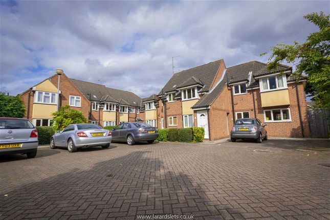 Thumbnail Flat to rent in Regents Court, Finkle Street, Cottingham