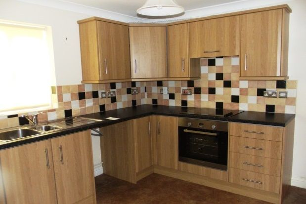 2 bed property to rent in Reed Street, Ryde
