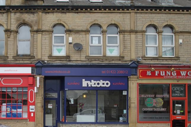 Thumbnail Flat to rent in Hawthorn Street, Hipperholme, Halifax