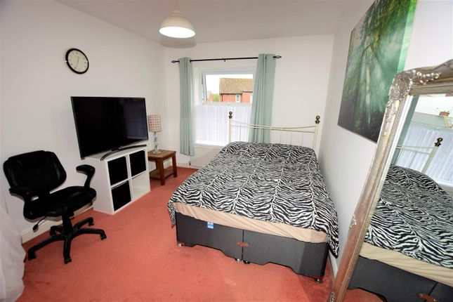 Bedroom 1 of Crossways Street, Barry CF63