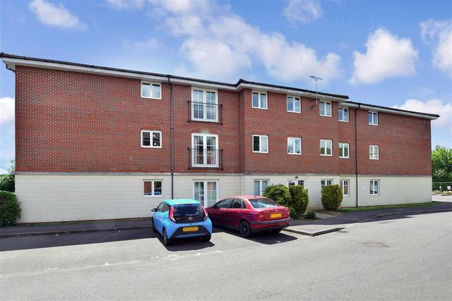 Thumbnail Flat for sale in Brookers Road, Billingshurst, West Sussex
