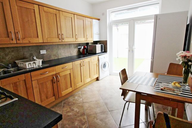 Thumbnail Terraced house for sale in Arnold Road, London