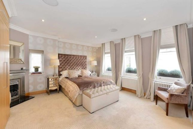 Town house to rent in Ivor Place, Marylebone, London