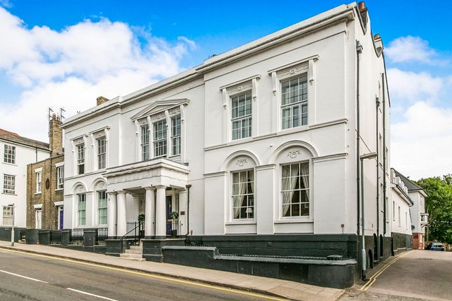 Thumbnail Flat for sale in Belgrave Place, East Hill, Colchester