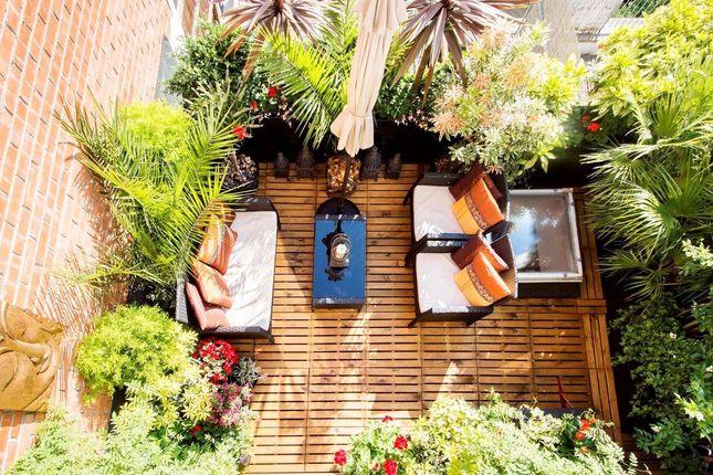 Thumbnail Maisonette for sale in Lamia House, 31A Chalton Street, London